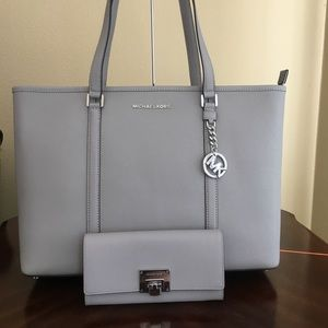 Michael Kors Large Sady Tote with matching wallet